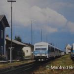 Zugkreuzung am 11. Juni 1994 in Geiselhöring mit 2 Triebwagen der Reihe 628 562/928 562 und 628 559/928 559.
