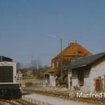 Gleich wird der Bahnhof Berching den Schülern gehören, welche am 25. März 1982 den Zug in alle Richtungen verlassen.