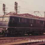 110 005 in Nürnberg - Hbf. Seit 1835 haben Nürnberger Lok-Werkstätten in Bahnkreisen einen guten Ruf. Beispielsweise wurden von Nürnberg aus immer wieder neu entwickelte Fahrzeuge getestet. Wie die E 19 und nach dem Krieg die E 10.